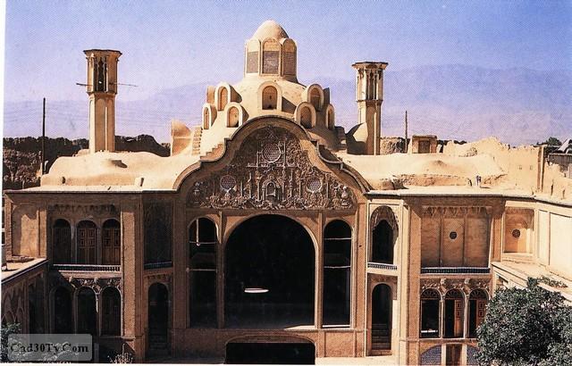 پلان خانه بروجردی ها-تعدادی عکس از خانه-گزارش توصیفی فارسی و لاتین